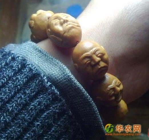 13-猴头核桃核雕-人物